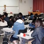 関西看護医療大で記事の読み方、書き方解説