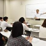 取材の仕方、記事の書き方学ぶ 神戸学院大 本紙アドバイザーが授業