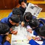 高砂・米田西小で「職業人と語ろう」 記者が講師 児童ら新聞づくり