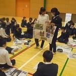 新聞記者の仕事学ぶ 本紙社員が授業 福崎・田原小