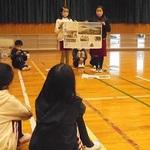学習発表会の体験を新聞にしよう 本社社員が講師に 姫路・砥堀小