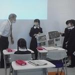 新聞の役割や記者の仕事学ぶ 神戸・愛徳学園小 本紙社員が授業
