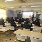 記者の仕事を学ぶ 本紙社員が授業 神戸・葺合高